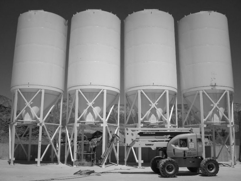 silo for dry bulk material